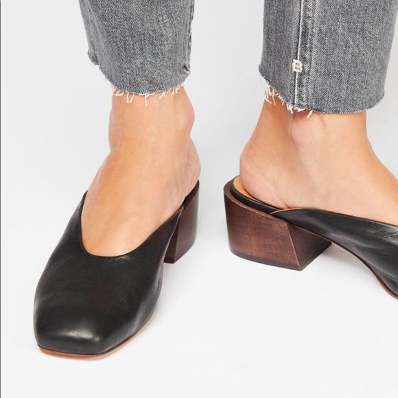 c0ce73595f9 Free People Shoes - Silent D Black Laguna Mule